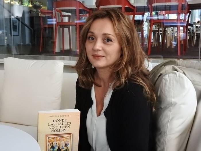 Mónica-Rouanet-Autor-Javier-Oliaga